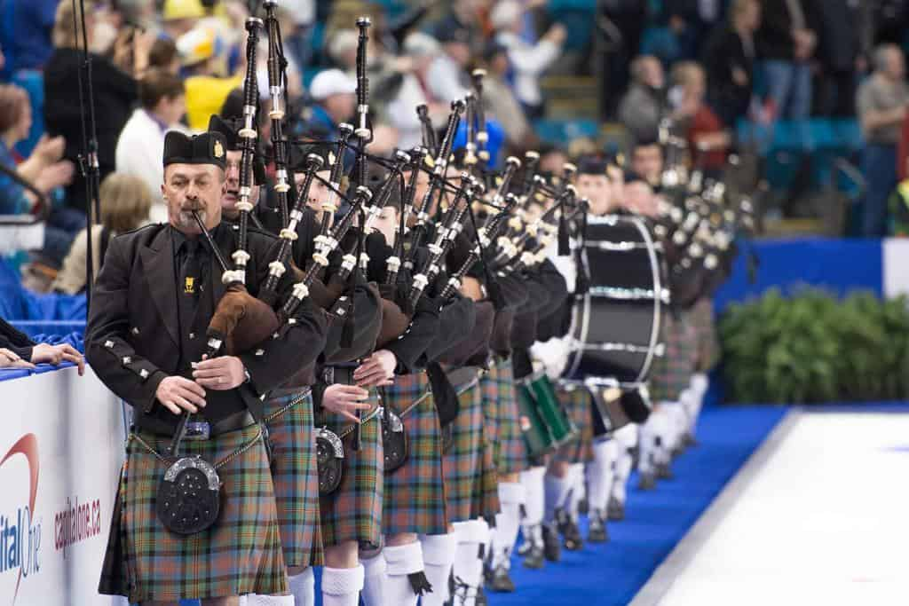 bagpipes-at-curling-opening-sport